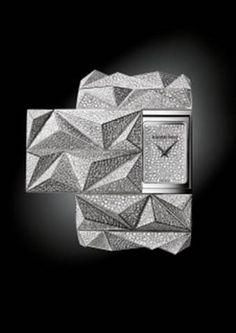#TiempoPeyrelongue Audemars Piguet presenta diamond punk, un sorprendente reloj de alta joyería que refleja brillantemente las tradiciones y el saber hacer de la manufactura de Le Brassus. @AudemarsPiguet Audemars Piguet