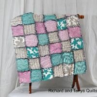 Rag Quilt - via @Craftsy