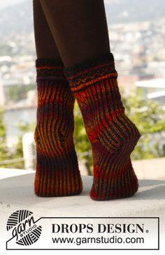 "Stickade DROPS sockor i ""Fabel"" med mönster. Stl 35 - 43."