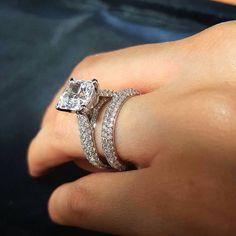 Dream Diamond wedding engagement rings that are gorgeous. Beautiful Wedding Rings, Dream Wedding, Beautiful Engagement Rings, Dream Ring, Wedding Jewelry, Wedding Ring For Men, Wedding Ideas, Wedding Band, Wedding Engagement