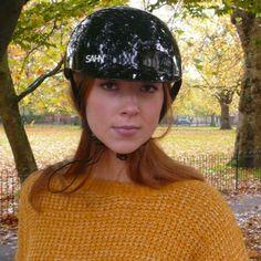 Sahn helmet gloss black cycle helmet