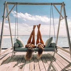 Swinging into the weekend like  #weekendvibes #slayallday #bikinislayerbabe #beachin #bikinislayer