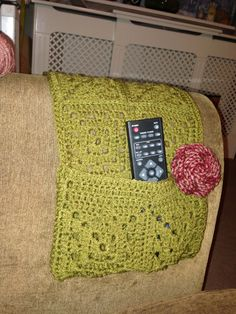 Crochet sofa caddy