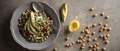 Ρεβυθοσαλάτα με αβοκάντο και πράσινη σος ταχινιού Vegan Menu, Vegan Recipes, Salad Bar, Going Vegan, Cooking Time, Avocado Toast, Green Beans, Vegetarian, Nutrition