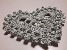 KukkuPöö: Virkattuja sydämiä vuosikertaohjeella Crochet Elephant Pattern Free, Free Pattern, Crochet Lace, Crochet Stitches, Heart Patterns, Heart Shapes, Crochet Earrings, Knitting, Crochet Heart Patterns