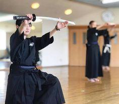 Japanese Sword, Japanese Girl, Katana Girl, Split Pants, Kendo, Girl Photos, Martial Arts, Street Photography, Kimono Top