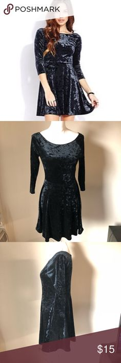 """Black crushed velvet skater dress Cute black crushed velvet skater style dress. 3/4 sleeves. Scoopneck. Laying flat bust 17"""", waist 13.5"""", length 32"""" Forever 21 Dresses Mini"""