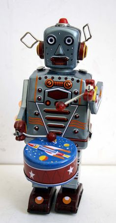 Robot Drummer Tin Toy | Vintage and Retro Space Age Raygun, Rocket and Robot Toys | Sugary.Sweet | #SpaceAge #Toy #Robot #SciFi