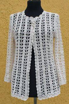 Very unusual and beautiful white jacket for the fashionable woman. Simple free patterns for crochet white jacket Crochet Bolero, Gilet Crochet, Crochet Jacket, Crochet Poncho, Crochet Cardigan, Crochet Sweaters, Lace Cardigan, Cardigan Pattern, Jacket Pattern