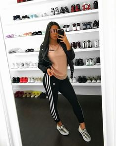 Un outfit casual 💖 Chill Outfits, Basic Outfits, Trendy Outfits, Cute Outfits, Look Fashion, Teen Fashion, Fashion Outfits, Womens Fashion, Winter Outfits