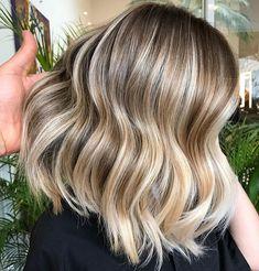 >> Yes please! The ultimate wavy long bob 🙌🏼🌊☀️. Summer hair vibes via Romeu Felipe. #weekendhaircrush #shorthairdontcare #hairgoals…