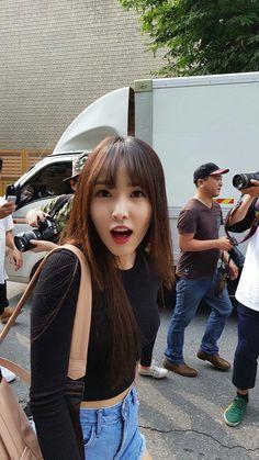 Gfriend Yuju, I Miss U, G Friend, Jinyoung, Seventeen, My Girl, Cute Girls, Idol, Korea