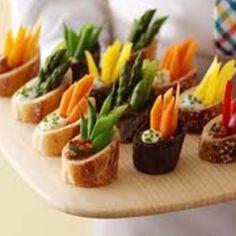 Veggie Dip in Baguette Rounds