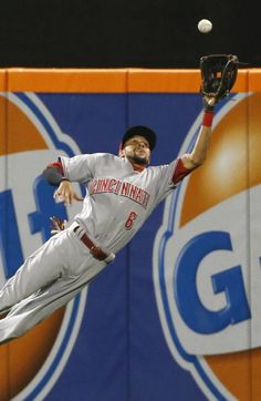 Billy Hamilton lays out.