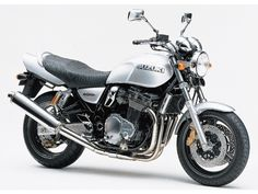 ชื่อรุ่น: INAZUMA1200 บริษัทผู้ผลิต: SUZUKI โฉมปี: เมษายน 1998  รถสปอร์ตเน็คเก็ตรุ่นนี้