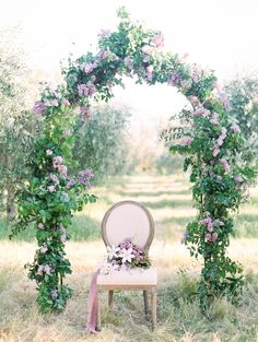 Spring Wedding Shoot Inspired by Lilac Florals