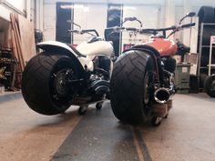 2 Suzuki m1800r built by nakab.se Ready for delivery to two happy customers!