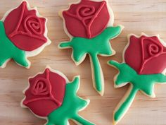 Rose Cookies for St. George's Day - For all your cake decorating supplies, please visit craftcompany.co.uk