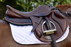 theruby-redmare: Surefire HT, - WASPing Through the Countryside Jumping Saddle, Show Jumping Horses, Equestrian Outfits, Equestrian Style, English Horse Tack, English Saddle, Riding Gear, Riding Clothes, Horse Riding