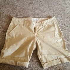 Old Navy Shorts ????LIMITED AVAILABILITY , ONLY ON POSHMARK UNTIL 03/13/16  ????ALL ITEMS SHIP 03/14/16   worn lightly Old Navy Shorts Bermudas