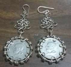 Aretes vintages elaborados en alpaca, con monedas de 0.25 ctvs. De colon de El Salvador