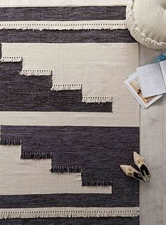 Fringed patchwork rug 140x200cm   Simons Maison   Neutral basic carpets online   Simons
