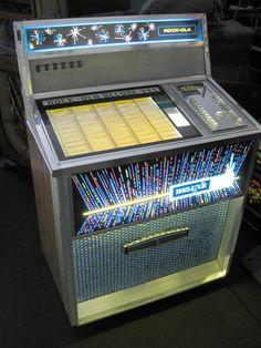 Rock-Ola 441 Deluxe Juke Box.