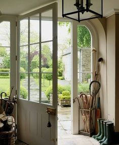 Elegant English country living room ideas for your home. English cottage interior design suggestions and inspiration. The Doors, Back Doors, Windows And Doors, Large Windows, Style At Home, Decoration Entree, Home Fashion, My Dream Home, Interior And Exterior