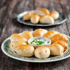 Pieczone drożdżowe pierogi | Przepisy kulinarne ze zdjęciami