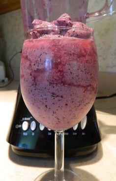 Pattitudes: Blueberry Yogurt Smoothie {Crazy Cooking Challenge}