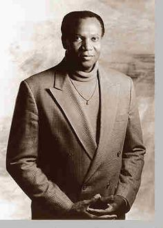 Simon Estes (1938) is an operatic bass-baritone of African-American descent who had a major international opera career beginning in the 1960s. He has sung at most of the world's major opera houses as well as in front of presidents and other international figures. He was part of the first generation of black opera singers to achieve widespread success and is viewed as part of a group of performers who were instrumental in helping to break down the barriers of racial prejudice in the opera…
