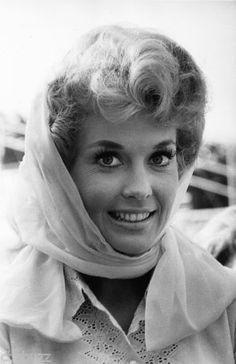 donna barnes actress