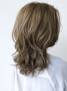 ミディアム 軽さのある ひし形ウルフレイヤー Afloat Japanの髪型