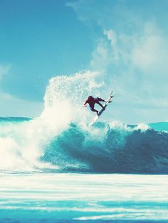 Surfing holidays is a surfing vlog with instructional surf videos, fails and big waves Big Waves, Beach Waves, Ocean Beach, Beach Bum, Ocean Waves, Christopher Reeve, Wakeboarding, Longboarding, Windsurfing