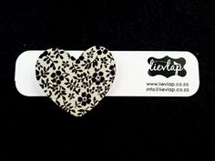 Swart en room Hout Hartjie Borspeld - R35.00 www.lievlap.co.za Brooches, Heart Ring, Clothes For Women, Rings, Room, Jewelry, Fashion, Outerwear Women, Bedroom