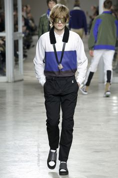 Tim Coppens Fall 2017 Menswear Collection Photos - Vogue