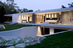 The Luxury Glass Pavilion House by Steve Hermann