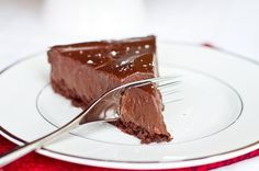 Chilled Double Chocolate Torte: The No Bake Version; vegan, gluten free, dairy free, grain free - awesome; I gotta make that soon, sounds super delicious.