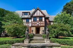 330 North Park Boulevard, Glen Ellyn IL  Here it is....my real-life dream house for sale!!  Ahhh only 1.7 mil haha