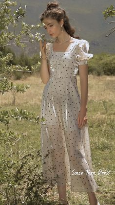 Retro Fashion, Vintage Fashion, Women's Fashion, Modest Outfits, Cute Outfits, Romantic Outfit, Dresses With Leggings, Parisian Style, Feminine Style