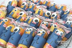 One in a Minion Valentines - This valentine craft for kids is the perfect project for bringing fun and tasty valentines to school! These minions are super easy to make, too!