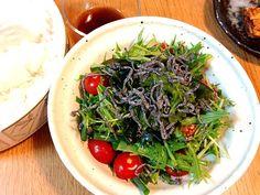 混ぜるとネバネバしてドレッシングがよくからみます。 - 7件のもぐもぐ - めかぶと水菜と青ネギのサラダ by ktkk