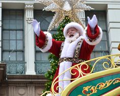 Macy's Thanksgiving Day Parade and a wave at Santa!!!