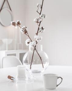 Höst i matrum – – Hobbies paining body for kids and adult Beauty Salon Interior, Interior Styling, Interior Design, Flower Bar, Flower Vases, Flower Ideas, Dried Flower Bouquet, Dried Flowers, Minimal Photography