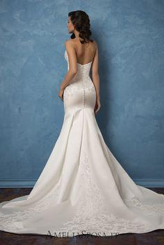 Wedding Dress Caterina, Silhouette: Mermaid / Sheath