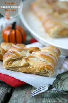 Recipe For Pumpkin Cream Cheese Danish - This is one of the best things to eat EVER. Sweet, creamy, cream cheesy and carby!