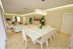 Modernas, sofisticadas e elegantes!     As salas integradas chegaram na arquitetura moderna para ficar! Raros são os projetos que vemos a...