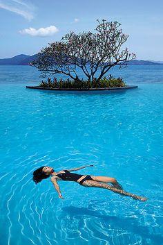 The infinity pool at Tanjung Aru Resort & Spa in Kota Kinabalu, Malaysia Beach Resorts, Hotels And Resorts, Luxury Hotels, Bora Bora, Dream Vacations, Vacation Spots, Kota Kinabalu, Shangri La, Bali Travel