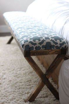 super easy diy x upholstered bench, reupholster, woodworking projects - DIY Möbel Furniture, Bed Bench, Home Projects, Home Furniture, Bedroom Diy, Woodworking Bench, Home Decor, Bedroom Furniture, Upholstered Bench