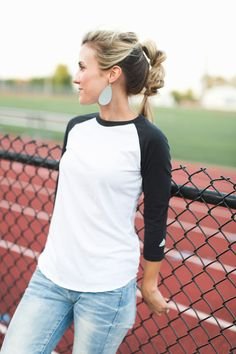 Love this sporty look. TEAM Gray Nickel and Suede Leather Earrings Angled Haircut, Nickel And Suede, Sporty Look, Great Hair, Leather Earrings, Grey Leather, Hair Hacks, Hair Inspiration, Locks
